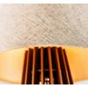 detalhe-abajur-de-torre-cafe-com-lampada-branco-quente