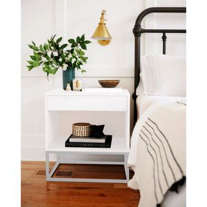 mesa-de-cabeceira-branco-e-cinza